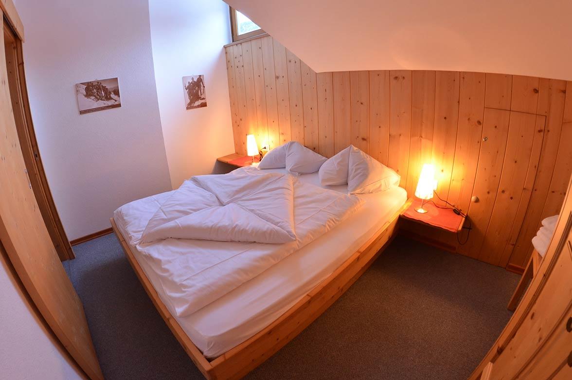 haus lena ferienwohnungen mansarde sommerurlaub und. Black Bedroom Furniture Sets. Home Design Ideas